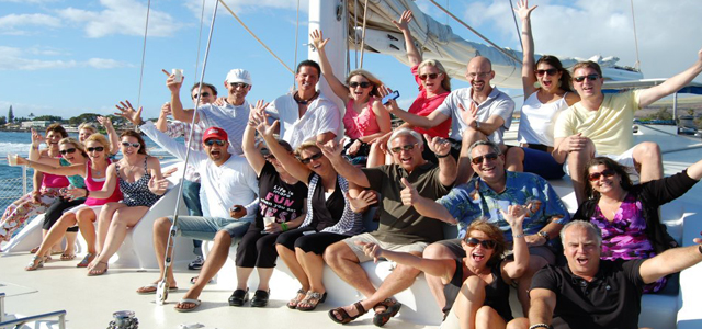 group-boat640x300
